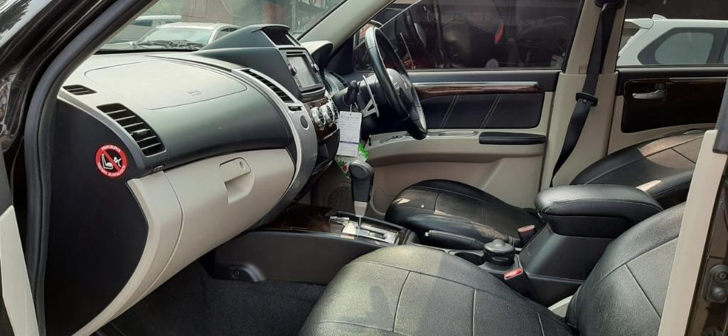 Mitsubishi Pajero Sport Dakkar Bensin V6 3.0 AT 2014 Hitam Dp 54,9 Jt, Pajak Panjang, Sunroof