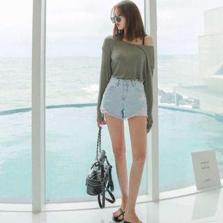 近全新正韓女裝刷破抽鬚牛仔短褲 熱褲 顯瘦褲