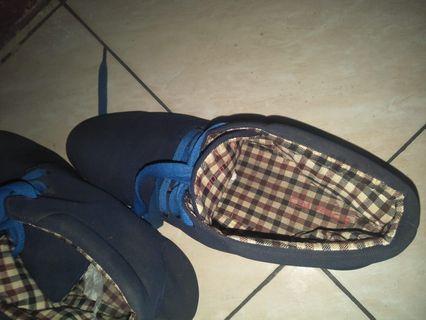 Sepatu import #mauovo