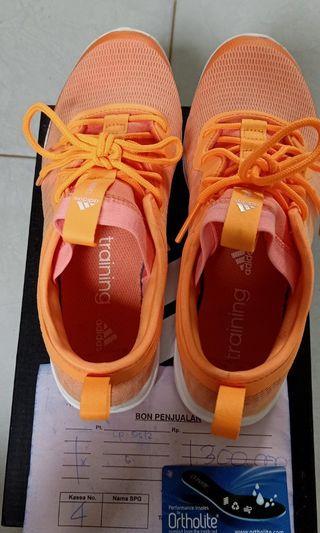 Sneakers wanita adidas orange ukuran 38
