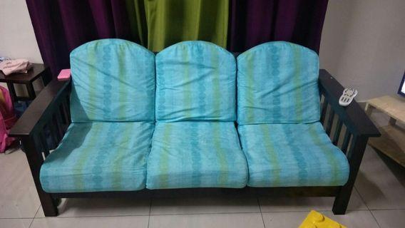 Kerusi kayu 3 + 2 + 1 seat