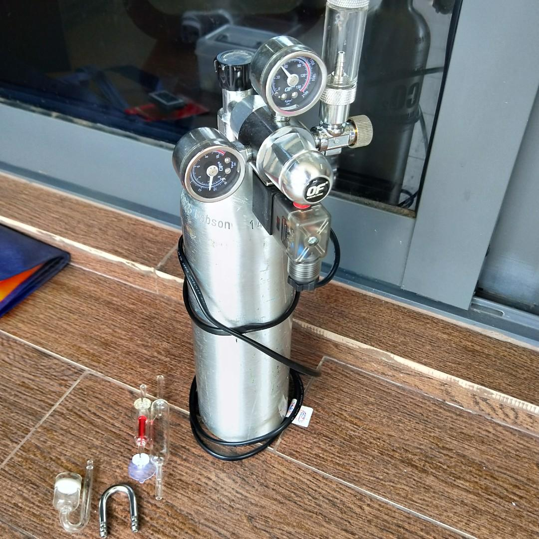 1 litre aluminium CO2 tank with solenoid regulator