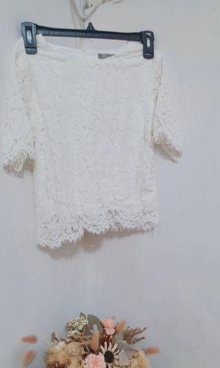 eyescream 白色蕾絲雕花上衣