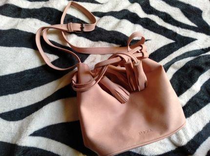 Bucket Bag slingbag