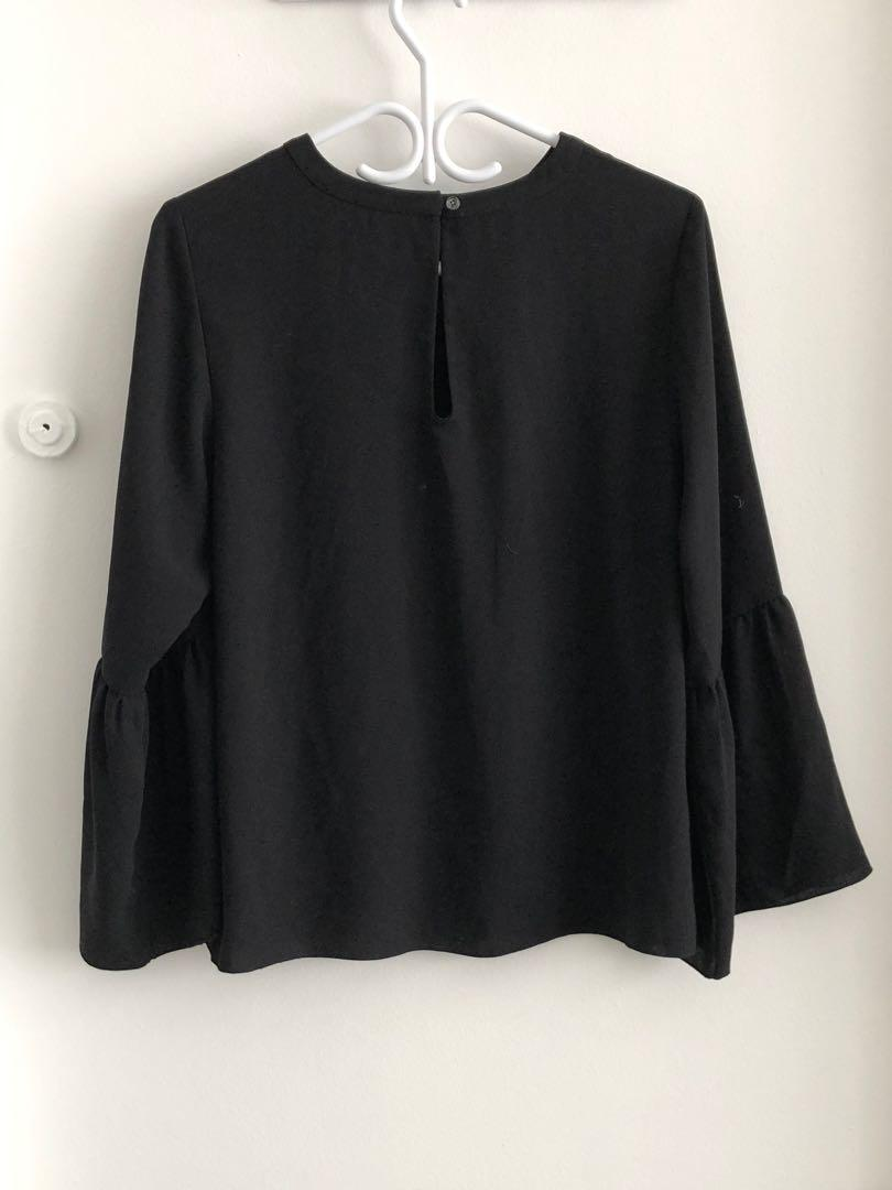 ARITZIA BABATON SILK FLARED SLEEVE SHIRT SIZE LARGE