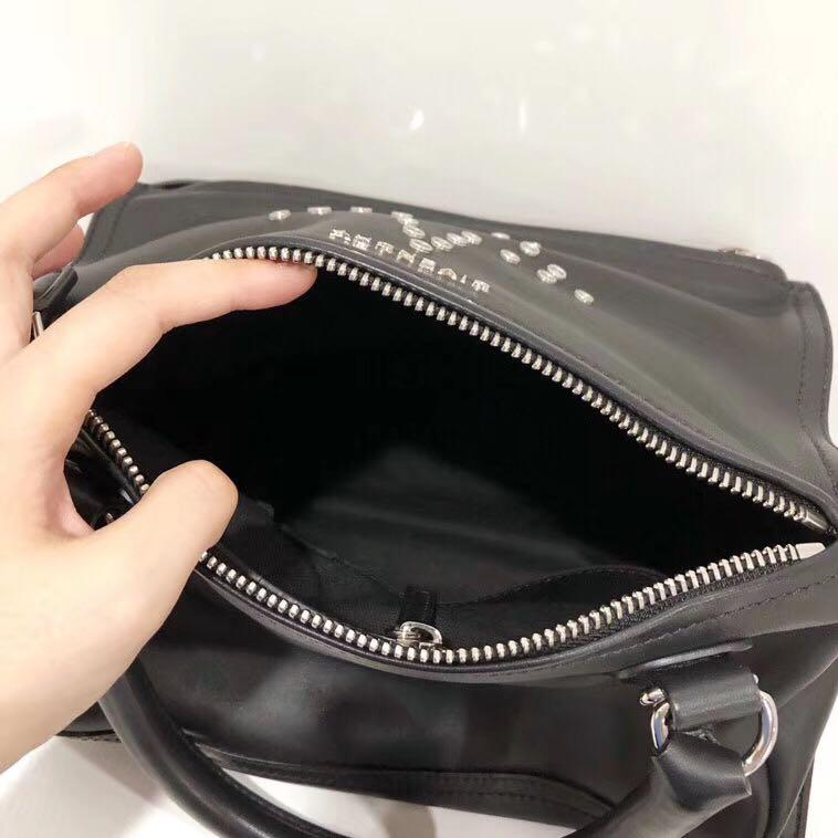 Authentic Pre-loved Givenchy Pandora Small Sugar Leather Start Calfskin Shoulder Bag