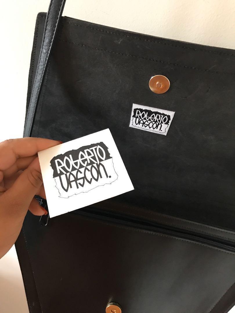 Authentic Vintage Roberto Vascon - Handpainted Purse / Cross Body Bag