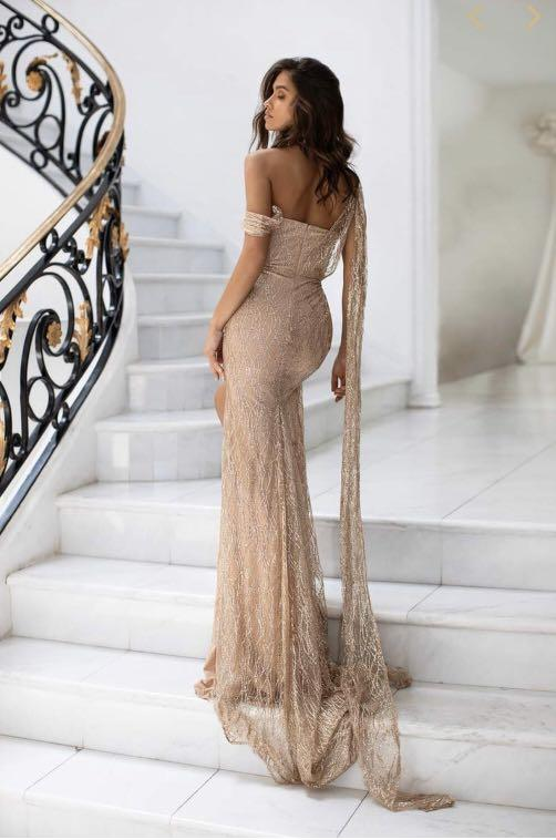 RENT Almour the Label -Gabriella Glitter Gown in Gold
