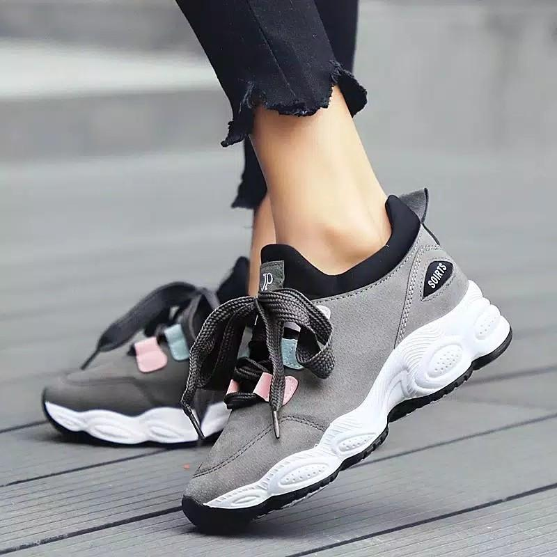 Sepatu Sneakers Wanita #MAUOVO