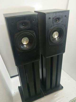 Sound Dynamics RTS-3B-1  2ways Bass Reflex Booksheld Speakers