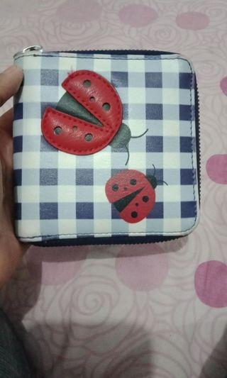 Dompet payless