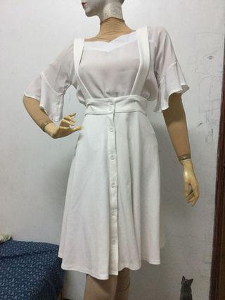 Lovfee白色吊帶排扣長裙S號