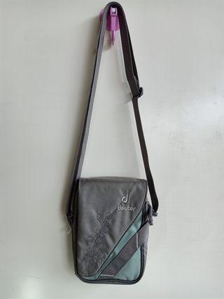 Dueter Sling bag