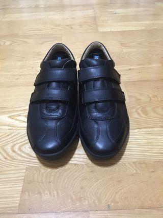 Aso阿瘦男性真皮休閒鞋us7.5