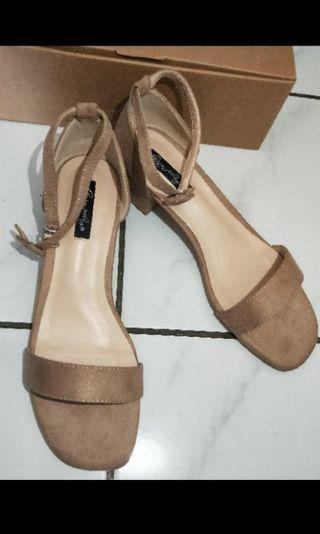 駝色涼鞋,40號,25號正常碼