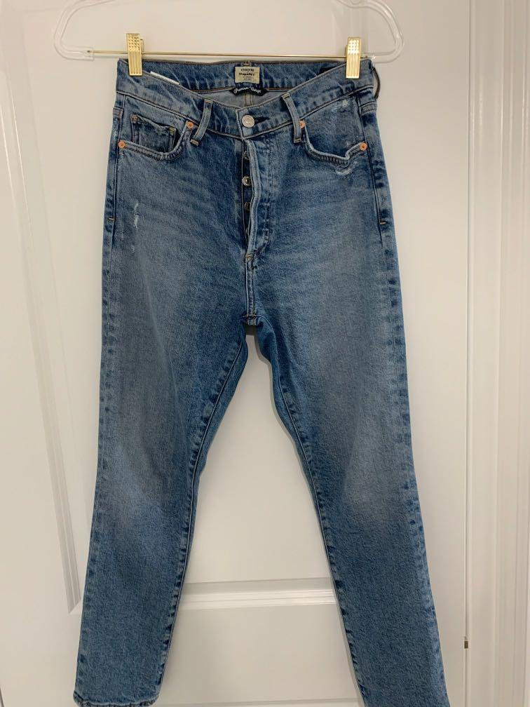Aritzia Cutizens of Humanity OLIVIA jeans  size 24 will fit 25 as well price negotiable