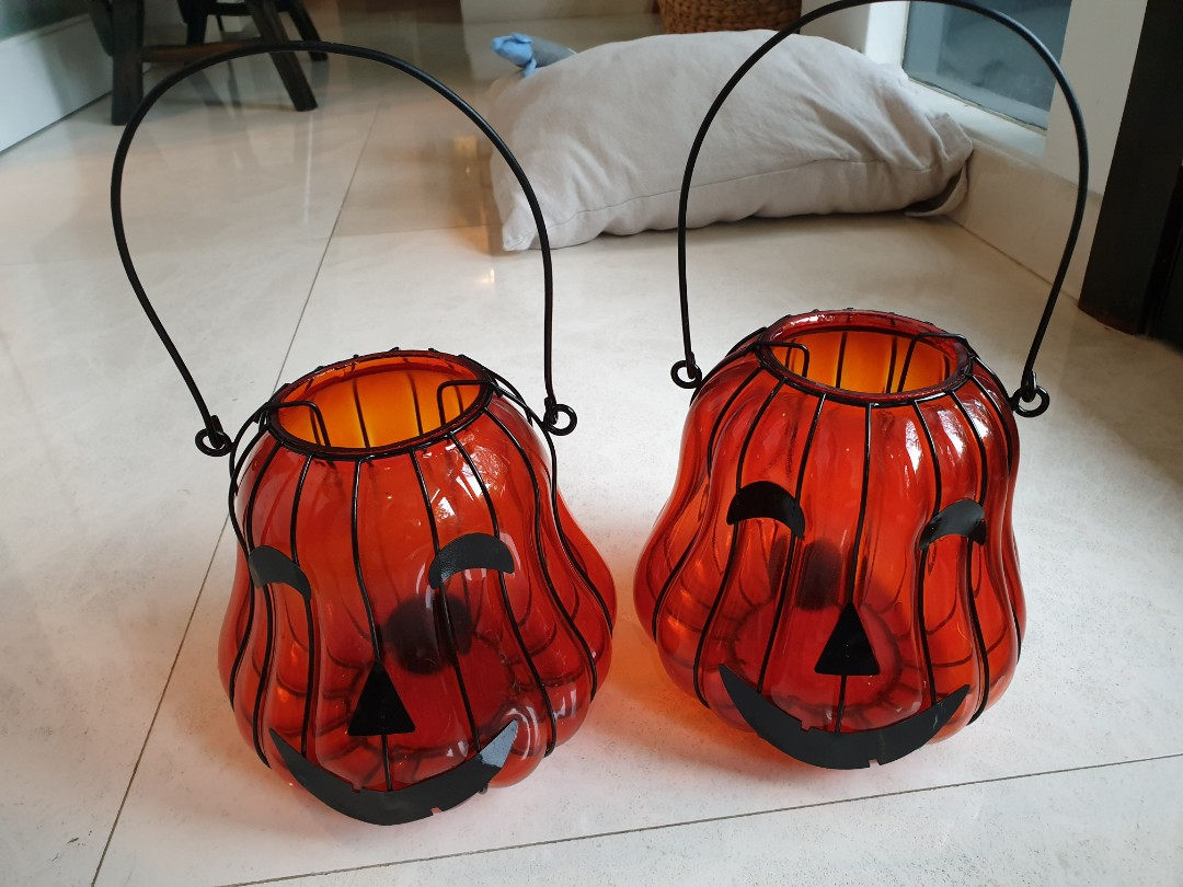 Halloween decorations Glass and metal tealight lanterns