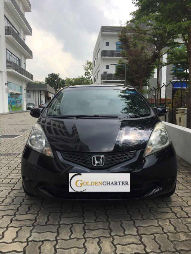 Honda Fit sunroof rental, weekly rental rebate available. PHV ready, personal also ready