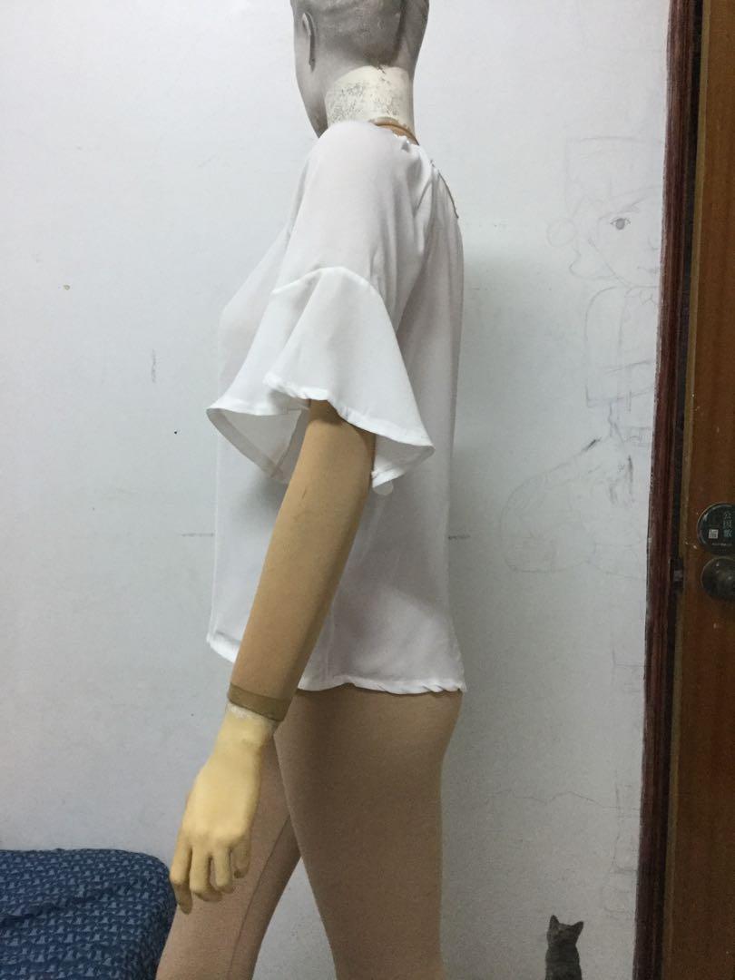 白色V領雪紡紗短袖上衣F號
