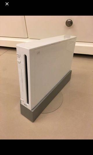 Wii(握把*1、配件一堆、遊戲一堆、收納箱)