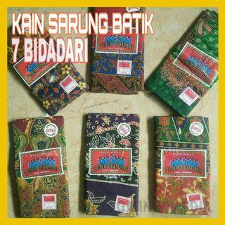 Kain Sarung Batik Tujuh Bidadari / Batik Motif Warna