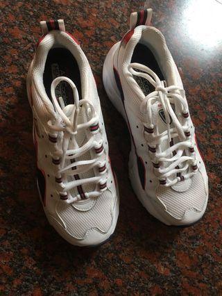 Skechers 老爹鞋