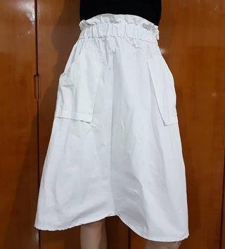 BKK white skirt / rok putih / rok putih Import / rok putih cantik / rok putih kece / rok putih bangkok