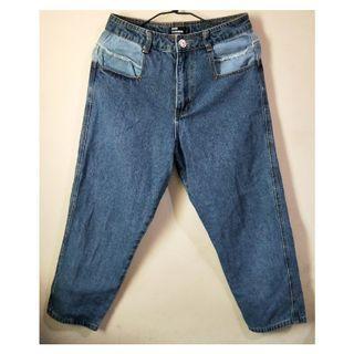 造型拼布不對襯顏色牛仔褲