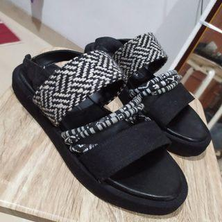 Shoe Corner Boy Aztec