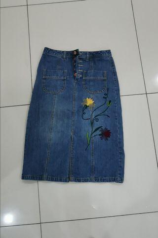Elle jeans skirt
