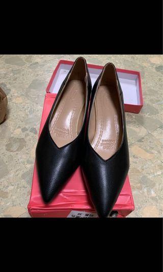 全新跟鞋 黑色跟鞋 24號