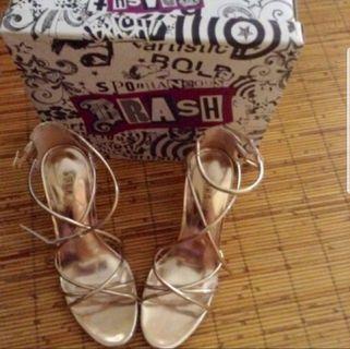Sale heels brush