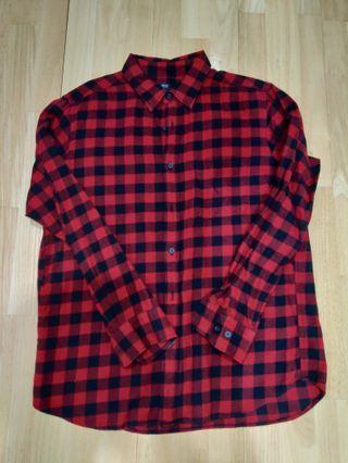 Uniqlo Red & Black checked flannel