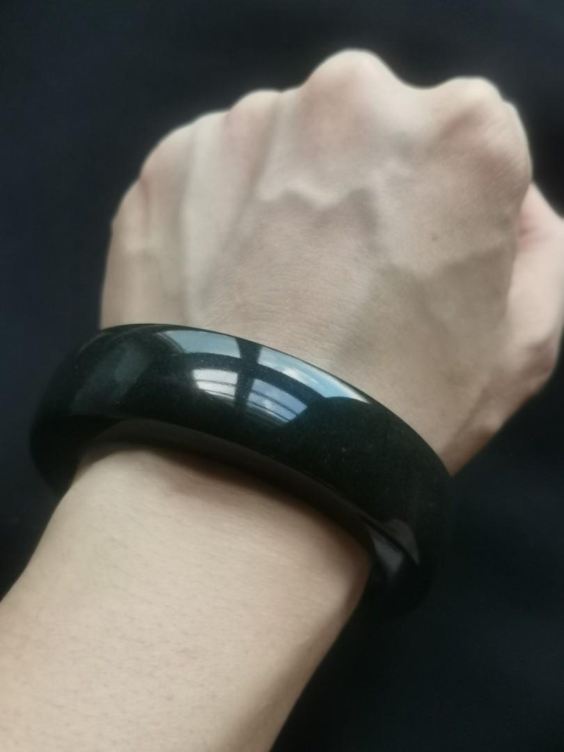 56mm albite pure black bangle (乌鸡宽版水沫石玉)