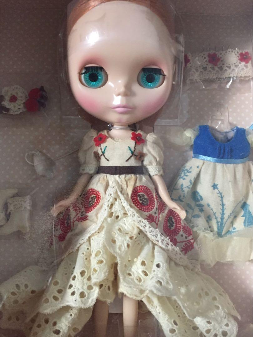 Takara Neo Blythe Denizens of the Lake Eleanor the Forest Dancer outfit set