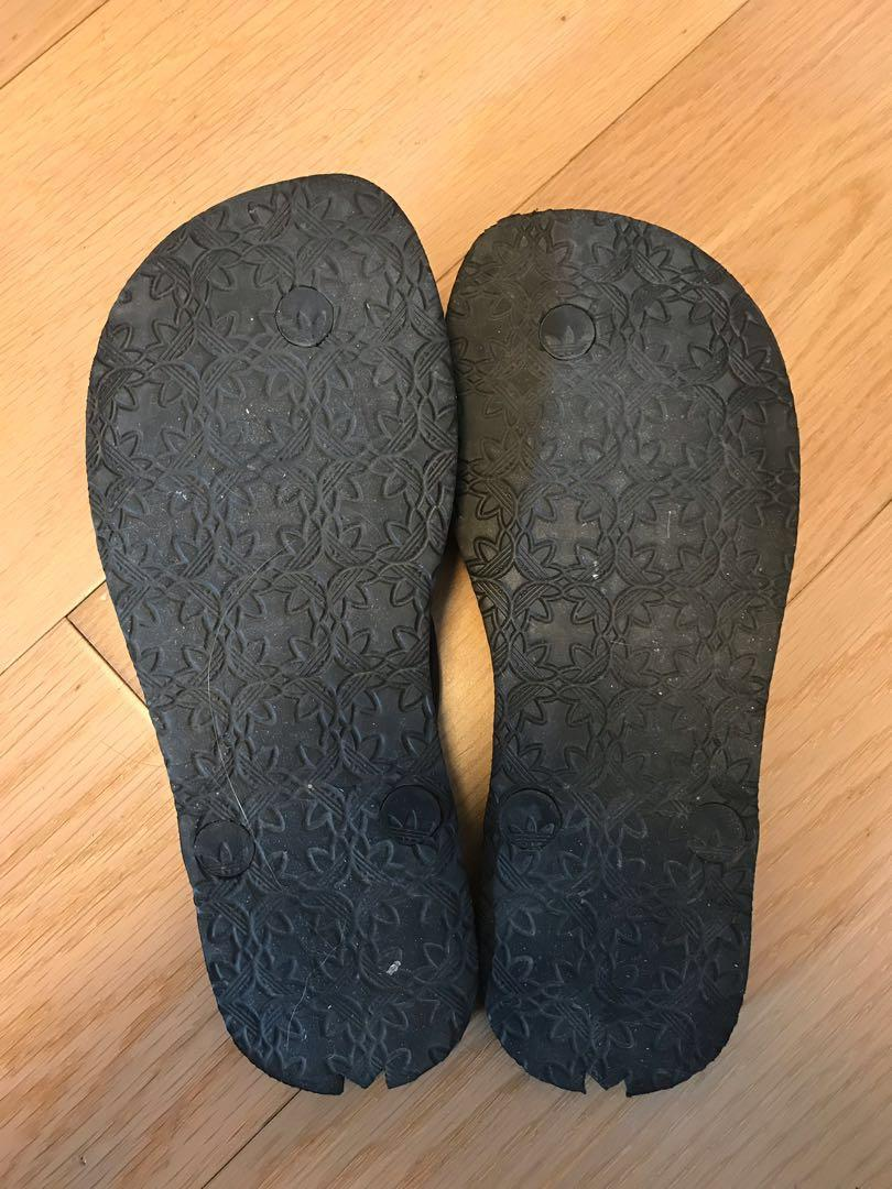 Adidas flip flops (moving house sale)
