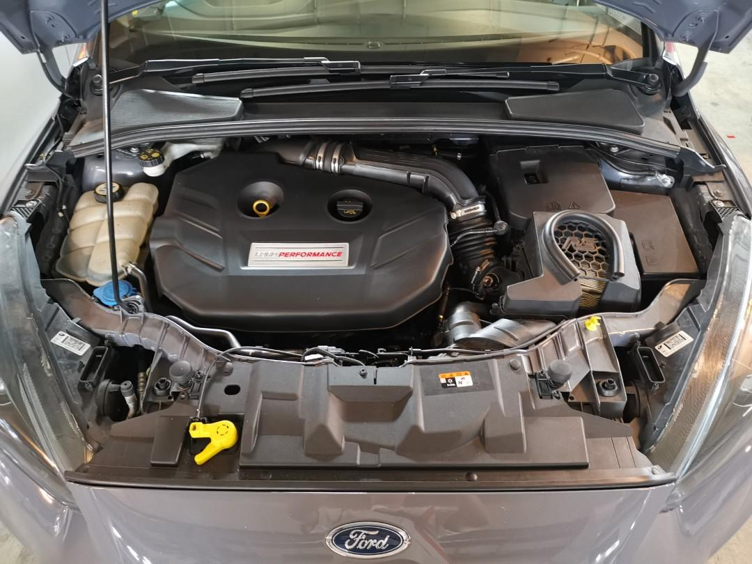 Ford Focus 2.3 RS 2.3 Ecoboost (M)