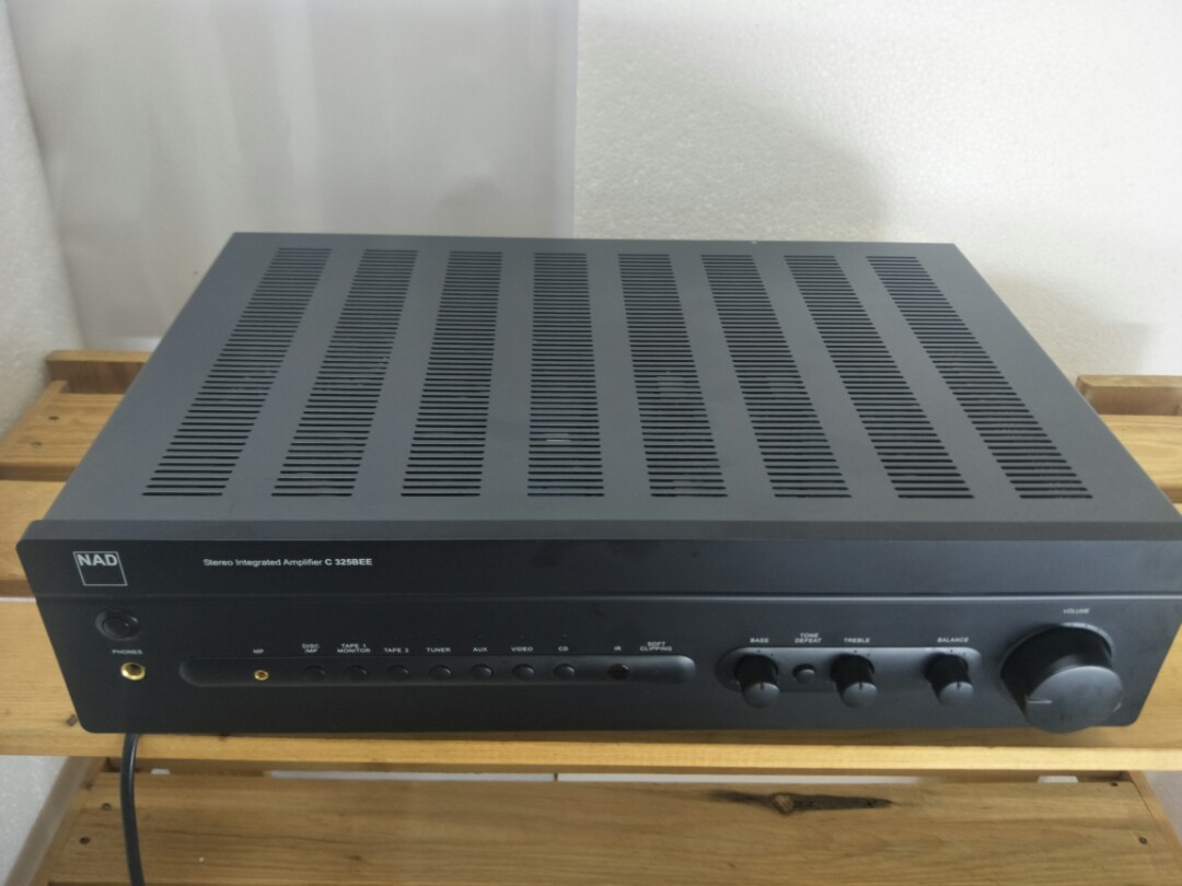 NAD C325BEE Stereo Integrated Amplifier
