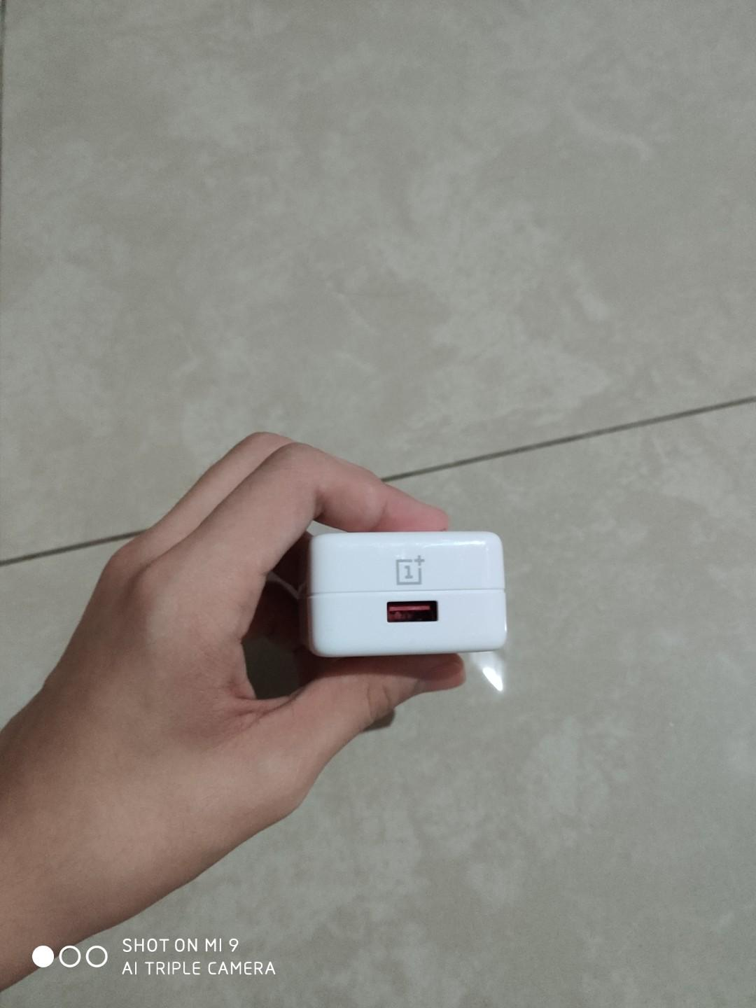 OnePlus 6 Dash Charger