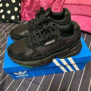 Beams✖️adidas聯名款黑色運動鞋23.5cm