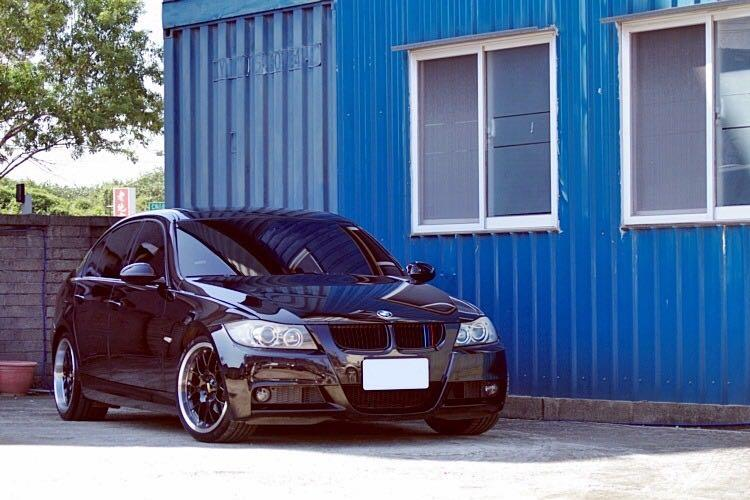 售05年 BMW E90 325 M-SPORT 黑 跑少 無待修 無事故無泡水 桃園大溪 0987707884春轟