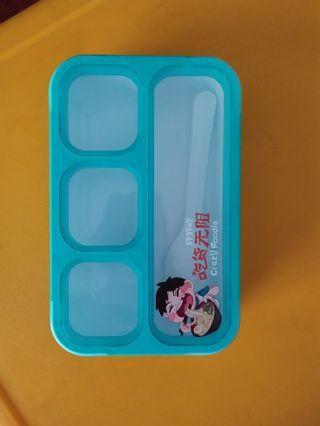 Lunch Box yoyee 4 sekat