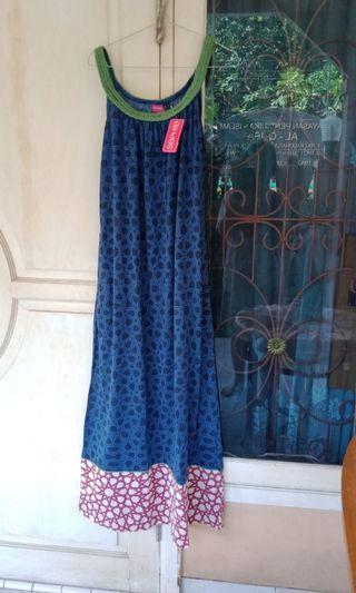 Dress kaos baru L Sophie Martin
