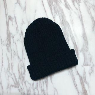 全新無戴過 黑 厚針織 毛帽