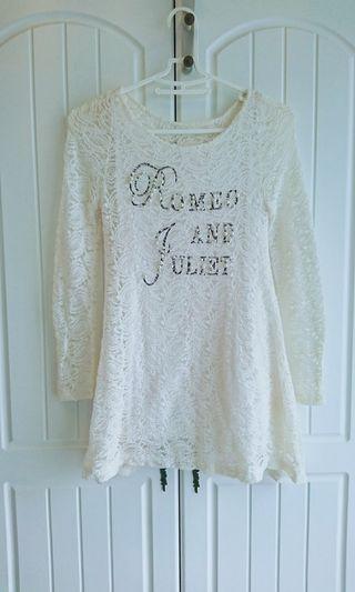 白色蕾絲長版上衣 二手近全新