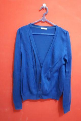Cardigan Biru Uniqlo