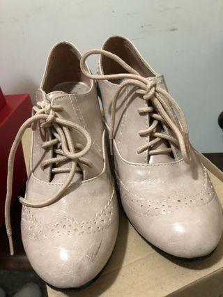杏色牛津鞋