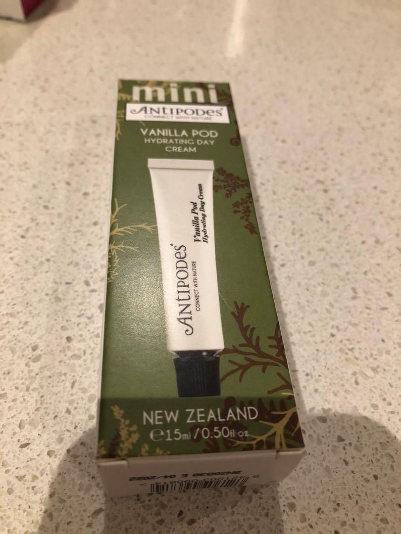 ANTIPODES Vanilla Pod Hydrating Day Cream - brand new