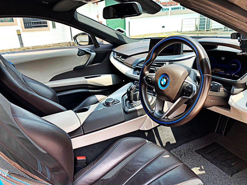 BMW i8 LED HUD NAV Auto