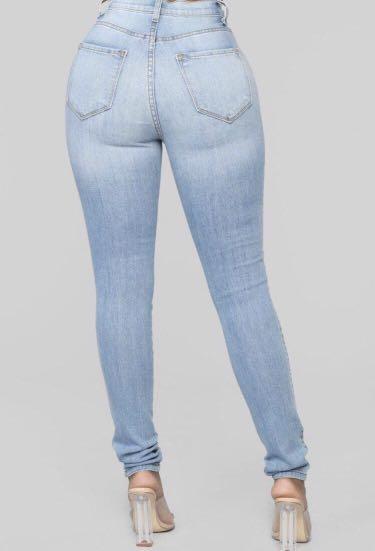 Fashion Nova - Classic Skinny Jean - Light Wash